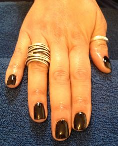 Simple and chic IBD Just Gel polish black lava manicure