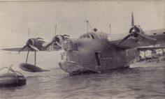 Flying Ship, Flying Boat, Short Sunderland, Sea Planes, Australian Defence Force, Float Plane, Plymouth, Airplanes, Ww2