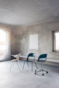 Fritz Hansen ergonomic task chair that can be mixed and matched with different bases