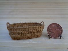 Dollhouse Miniature wicker basket with wood 1:12 for dollhouse, Miniature…