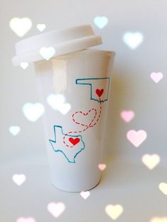 Long Distance Friendship Travel Mug.this is the cutest thing I've ever seen! I'll be purchasing this for my BFF! Diy Crafts Videos, Diy Crafts For Kids, Cute Gifts, Diy Gifts, Long Distance Friendship, Pride Rock, Diy Mugs, Diy Painting, Projects To Try