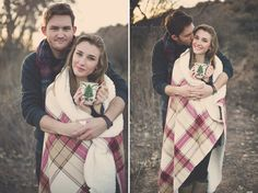holiday couple photos // holiday couple ideas // winter couple pictures // winter engagement session // engagement photography // engagement poses // fall couple portraits // blanket // throw // quilt // coffee mugs // hot cocoa // hot coffee // couples photography // alicia lucia photography