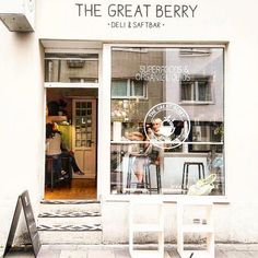 The great berry / Köln Cologne Pancake Bar, Cafe Exterior, Best Bakery, Cute Cafe, Coffee Places, Cologne Germany, Cafe Style, Cafe Shop, Fika