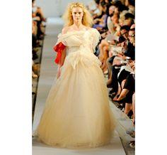 Le défilé Oscar de la Renta printemps-été 2012 12 | Mariage | Vogue