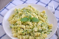 Summertime Staple – Creamy And Light Zucchini Pasta