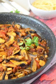 Gombás-kolbászos ragu spagettivel recept - Kifőztük, online gasztromagazin Cantaloupe, Grilling, Foods, Eat, Fruit, Food Food, Food Items, Crickets