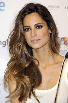 However a few understated hints of Brunette Balayage can make even the healthiest head of hair look in better condition than ever.brunette balayage can show the beauty of the natural chocolate . Beautiful Hairstyle For Girl, Gorgeous Hair, Amazing Hair, Beautiful Hairstyles, Amazing Makeup, You're Beautiful, Balayage Brunette, Hair Color Balayage, Balayage Highlights