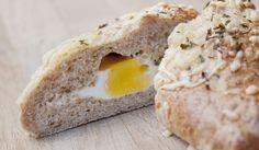 Oppskrift: Egg i Brød Egg And I, Eggs, Baking, Breakfast, Breads, Ted, Morning Coffee, Bread Rolls, Bakken