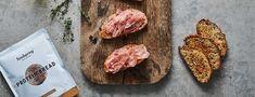 Proteinbrote mit Tomate und Schinken Protein Snacks, Muesli, Calories, Prosciutto, Bruschetta, Pain, Steak, Snack Recipes, Healthy Eating