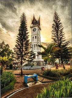 Bukittinggi Clock Tower by Captain Photo on 500px