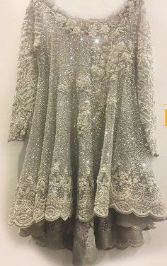 Model: Loose Length: Mid-Length Neckline: V-Neck Sleeve Length: Half Sleeve Elasticity: Inelastic Combination Type: Single Pattern: Plain Embellishment: Hollow Style: Casual Season: Summer * Size Bust cm inch S 90 M 95 L 100 XL 105 110 115 120 125 * Pakistani Wedding Outfits, Bridal Outfits, Pakistani Dresses, Half Sleeves, Types Of Sleeves, Shadi Dresses, Design Textile, Desi Clothes, Casual Clothes