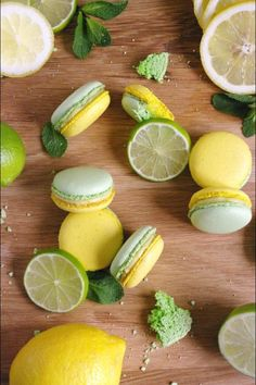 Macarons mojito : citron, menthe et rhum - - Baking Recipes, Cookie Recipes, Dessert Recipes, Cute Food, Yummy Food, Macaron Cookies, French Macaroons, Pink Macaroons, Lemon Macarons