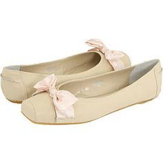 I WISH these shoes were in Ballerina Pink - Gabriella Rocha Ady