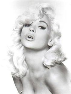 Jayne Mansfield, pin up. I love her hairstyle in this photo!!!