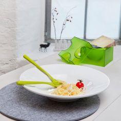 #design3000 Käsereibe Piece of Cheese - Box in Form eines Käsewürfels mit Reibe.