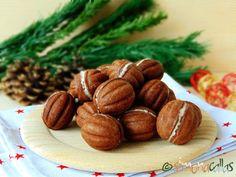 Nuci umplute cu ciocolata fragede si delicioase 1 Cacao Benefits, Romanian Food, Romanian Recipes, Walnut Cookies, Creme Caramel, Love Chocolate, Biscotti, Cookie Recipes, Almond