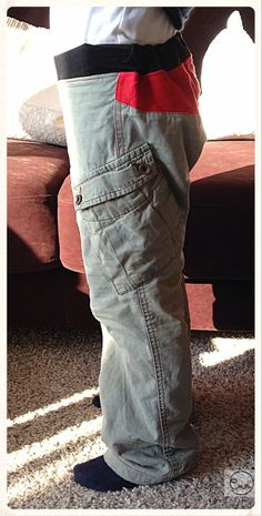 Mutters alte Lieblingshose nun Jungshose / Mother's favourite trousers become those of son / Upcycling