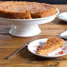 Klassieke boterkoek van Holtkamp - best recipe for the famous dutch buttercake (and its a very simple recipe; Dutch Recipes, Sweet Recipes, Baking Recipes, Cake Recipes, Sweets Cake, Cupcake Cakes, Cupcakes, Sweet Bakery, Sweet Pie