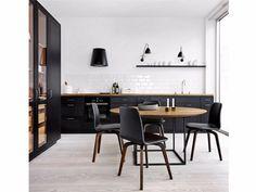 Cuisine linéaire en bois massif FORM 12 - BLACK OAK by Multiform