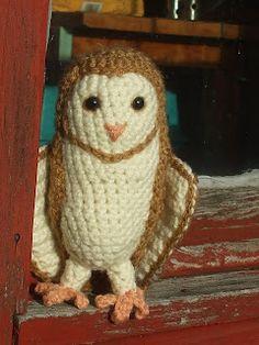 Owl Crochet Pattern Free, Pattern Cute, Crochet Birds, Cute Crochet, Crochet Animals, Crochet Crafts, Crochet Projects, Free Pattern, Owl Crafts