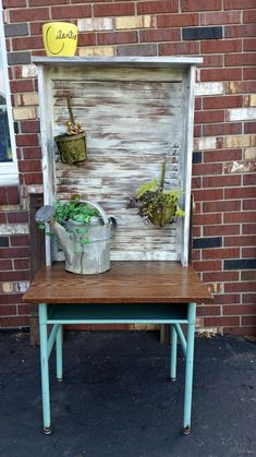 Add this upcycled potting bench to your backyard on the cheap!