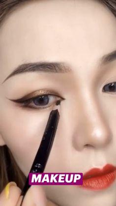 Smoke Eye Makeup, Eyebrow Makeup Tips, Makeup Videos, Makeup Goals, Makeup Inspo, Makeup Inspiration, Cute Makeup Hacks, Show Makeup, Makeup Makeover