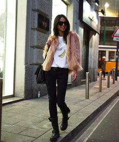 SUPER ADORAGE #chiarabiasi #shopart #winter #outfit #ecopelliccia #skinny #pants #superwow