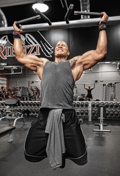 """Dwayne """"The Rock"""" Johnson is Hollywood's highest paid actor for the years 2016 & So, what sparked his accelerated fan base and how did he succed. Rock Johnson, The Rock Dwayne Johnson, Dwayne The Rock, Fitness Motivation, Fitness Gym, Mens Fitness, Fitness Models, Health Fitness, Dwayne Johnson Muscles"""
