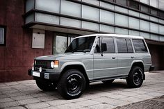 Mitsubishi Pajero -> Hyundai Galloper -> Mohenic Garages redesign - MohenicG Original Classic Tweed Grey. www.the.co.kr