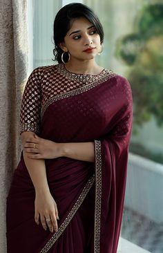 Kerala Saree Blouse Designs, Half Saree Designs, Fancy Blouse Designs, Sarees For Girls, Indian Fashion Dresses, Saree Fashion, Saree Trends, Saree Models, Stylish Sarees