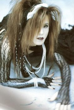 Visual Kei Sugizo (old, old photo) Dir En Grey, Japanese Aesthetic, Actor Model, Visual Kei, Artist Art, Old Photos, Goth, Pure Products, Musicians