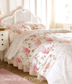 BEAUTIFUL CHIC COTTAGE IVORY BLUE CORAL COUNTRY SHABBY LACE RUFFLE COMFORTER SET