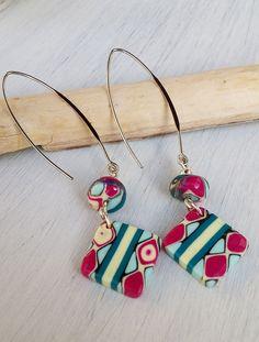 Boucles d'oreilles de perles en pâte polymère : Boucles d'oreille par la-caverne-de-nitthila