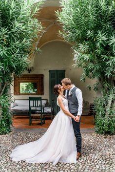 elegant bride and groom жених и невеста