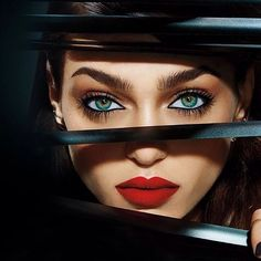 ☺ Zhenya Katava - Urban Decay Cosmetics Winter Photography by Jamie Nelson… Color Splash, Jamie Nelson, Beauty Makeup, Hair Makeup, Perfect Red Lips, Foto Art, Beautiful Lips, Cool Eyes, Amazing Eyes