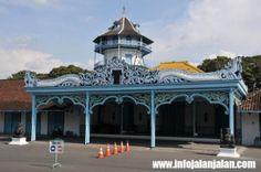Tempat Wisata Solo - Kraton Surakarta http://infojalanjalan.com/daftar-tempat-wisata-solo-menarik-seru