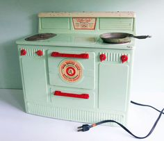 """""""Little Lady"""" Electric Toy Stove"""