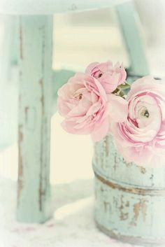 vintage home flowers inspiration