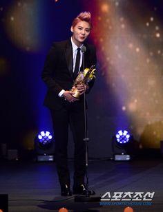 Perfection. Junsu at the 18th Korea Musical Awards (121029)