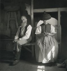 Austrian couple.  In 1930, famous artist Rudolf Koppitz gives up studio work and traverses more often with his students, to capture the country life with a esthétic-ethnographic view.