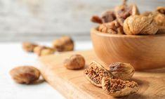 Ξερά σύκα: Τα οφέλη τους για την υγεία Garlic, Stuffed Mushrooms, Vegetables, Food, Stuff Mushrooms, Essen, Vegetable Recipes, Meals, Yemek