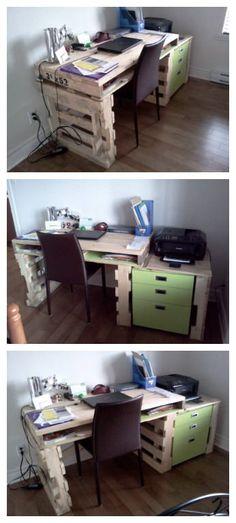 Writing desk for my house (or Office) made with recycled pallets wood.   Bureau pour la maison (ou affaires) réalisé en bois de palettes.     #Office, #PalletDesk, #RecycledPallet