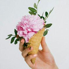 Ice Cream Flower, Cream Flowers, Love Flowers, Yellow Flowers, Birthday Decorations, Wedding Decorations, Waffle Cones, Baby Sprinkle, Cute Crafts