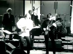 Roy Orbison and Friends - Mean Woman Blues 1987 - YouTube