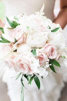Pink roses and white peonies wedding bouquet #WeddingIdeasGreen