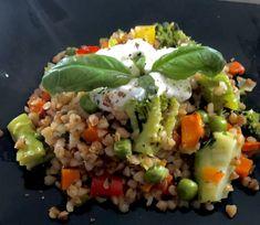 Kaszotto z warzywami - Blog z apetytem Fried Rice, Cobb Salad, Fries, Avocado, Lunch Box, Food And Drink, Vegan, Dinner, Ethnic Recipes