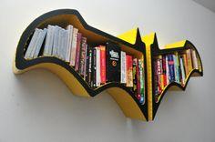 Estante de livros inspirada no Batman e seu Bat-formato | Cachola Hiperativa