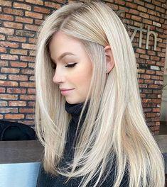 Cool Blonde Hair Colour, Beige Blonde Hair, Beautiful Blonde Hair, Blonde Hair Shades, Light Blonde Hair, Dyed Blonde Hair, Blonde Hair Looks, Hair Color Balayage, Hair Highlights