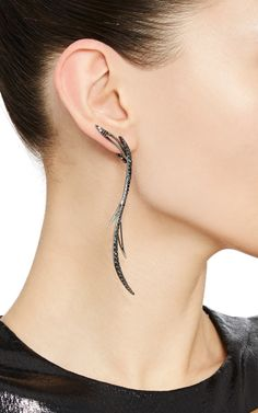 Shop Black Rhodium Plated Mono-Earring With Black Diamonds. Inspired by mythical creatures, this black rhodium plated white gold delicate mono-earring by **Cristina Ortiz** features a curvilinear construction embellished with black diamonds. Ear Jewelry, Cute Jewelry, Body Jewelry, Diamond Jewelry, Jewelry Accessories, Jewelry Design, Jewellery, Black Diamond Earrings, Skull Jewelry