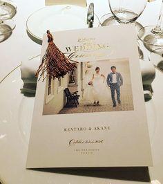 * 大好評だったプロフィールブック♡ 結婚式の中でやりたかった事の1つで、前々から @the_m_w_p_d  さんに作ってもらいたいと願ってました。 願いが叶って、mahoさんに作っていただけ本当に感謝感激です✨紙質やデザインなどの打ち合わせ、メニュー表のタッセルと文字の相性を気にかけて下さったりありがとうございました友人からもらった写真で紹介させてもらいましたが、データが来たらまた報告させていただきます❤️ お呼びできなかった親戚もこれを見てたくさんコメントくれました裏面に来賓それぞれとの写真とコメントは家族始め新郎サイドの来賓も喜んでくれてました夜な夜なやってよかったー #profilebook#プロフィールブック#結婚式でやりたかった事の1つ#paperitem#tassel#peninsulagold#箔押し